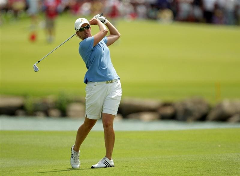 SINGAPORE - FEBRUARY 27:  Karrie Webb of Australia in action during the final round of the HSBC Women's Champions at Tanah Merah Country Club  on February 27, 2011 in Singapore, Singapore.  (Photo by Ross Kinnaird/Getty Images)