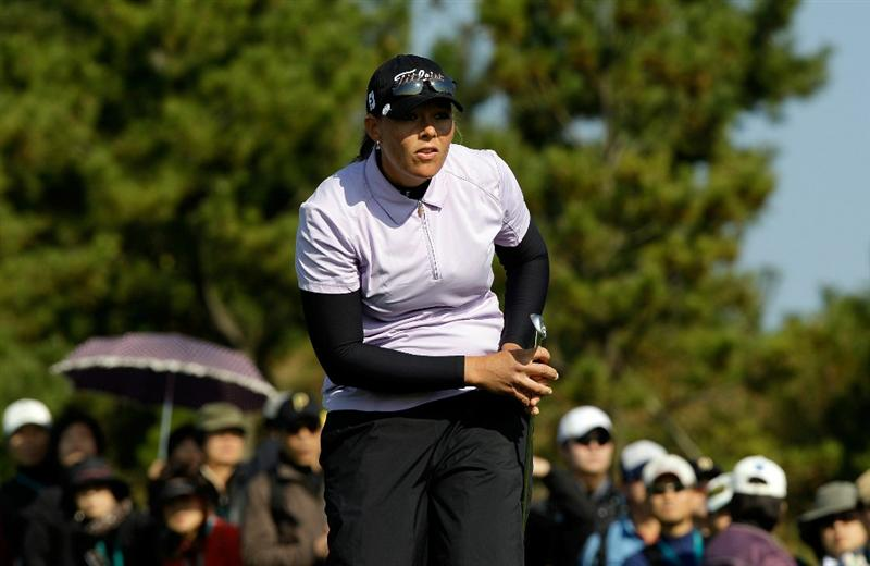 INCHEON, SOUTH KOREA - OCTOBER 30:  Katherine Hull of Australia on the 3rd hole during the 2010 LPGA Hana Bank Championship at Sky 72 Golf Club on October 30, 2010 in Incheon, South Korea.  (Photo by Chung Sung-Jun/Getty Images)