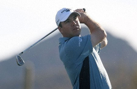 MARANA, AZ - FEBRUARY 19:  Arron Oberholser hits a shot during a practice round prior to the start of the Accenture Match Play Championship at The Gallery Golf Club at Dove Mountain on February 19, 2008 in Marana, Arizona.  (Photo by Scott Halleran/Getty Images)