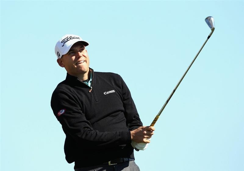 SCOTTSDALE, AZ - FEBRUARY 03:  Bill Haas hits a tee shot on the 12th hole during the first round of the Waste Management Phoenix Open at TPC Scottsdale on February 3, 2011 in Scottsdale, Arizona.  (Photo by Christian Petersen/Getty Images)