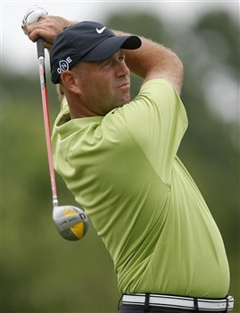 DULUTH, GA - MAY 15:  Stewart Cink watches his tee shot on the first hole during the first round of the AT&T Classic at TPC Sugarloaf on May 15, 2008 in Duluth, Georgia.  (Photo by Matt Sullivan/Getty Images)