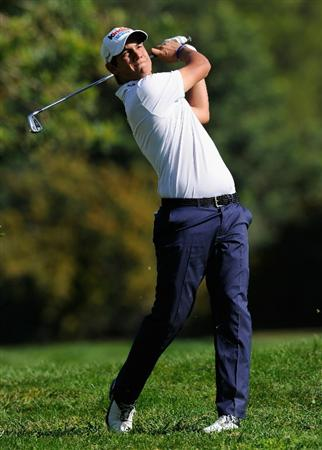 CASTELLON DE LA PLANA, SPAIN - OCTOBER 23:  Matteo Manassero of Italy plays his approach shot on the 10th hole during the third round of the Castello Masters Costa Azahar at the Club de Campo del Mediterraneo on October 23, 2010 in Castellon de la Plana, Spain.  (Photo by Stuart Franklin/Getty Images)