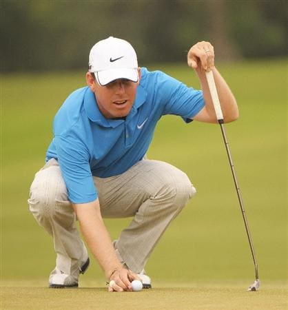 SAN ANTONIO TX. - MAY 15:  Justin Leonard lines up a putt for birdie on the 18th hole during the second round of  the Valero Texas Open held at La Cantera Golf Club on May 15, 2009 in San Antonio, Texas.  (Photo by Marc Feldman/Getty Images)