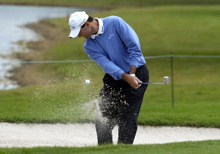 Len Mattiace hits from a seventh-hole bunker  during second-round competition March 4, 2005  at the  2005 Ford Championship at Doral in Miami.