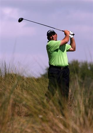 BOCA RATON, FL - FEBRUARY 15:  Fulton Allem hits his drive on the 6th tee during the final round of the Allianz Championship at The Old Course at Broken Sound Club on February 15, 2009 in Boca Raton, Florida.  (Photo by Doug Benc/Getty Images)
