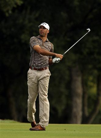 SOTOGRANDE, SPAIN - OCTOBER 28:  Alvaro Quiros of Spain plays into the 4th green during the first round of the Andalucia Valderrama Masters at Club de Golf Valderrama on October 28, 2010 in Sotogrande, Spain.  (Photo by Richard Heathcote/Getty Images)
