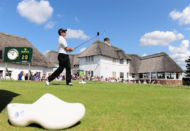ZANDVOORT, NETHERLANDS - AUGUST 22:  Terry Pilkadaris of Australia plays his tee shot on the first hole during the third round of The KLM Open at Kennemer Golf & Country Club on August 22, 2009 in Zandvoort, Netherlands.  (Photo by Stuart Franklin/Getty Images)
