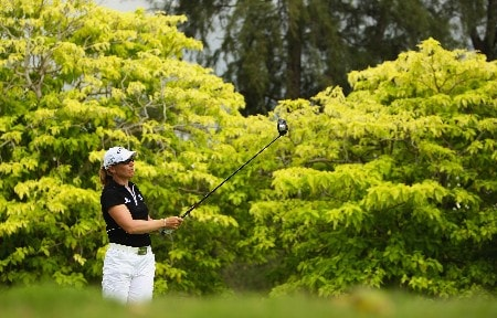 SINGAPORE - FEBRUARY 28:  Annika Sorenstam of Sweden tees off on the sixth hole during the first round of the HSBC Women's Champions at Tanah Merah Country Club on February 28, 2008 in Singapore.  (Photo by Andrew Redington/Getty Images)