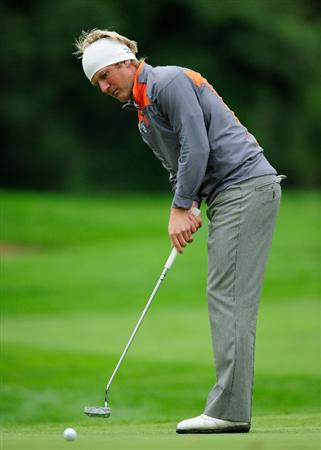 VIENNA, AUSTRIA - SEPTEMBER 17:  Pelle Edberg of Sweden watches his putt on the 18th hole during the second round of the Austrian golf open presented by Botarin at the Diamond country club on September 17, 2010 in Atzenbrugg near Vienna, Austria  (Photo by Stuart Franklin/Getty Images)