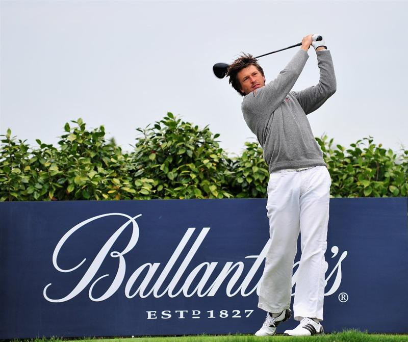 JEJU, SOUTH KOREA - APRIL 24:  Robert - Jan Derksen of The Netherlands plays his tee shot during the second round of the Ballantine's Championship at Pinx Golf Club on April 24, 2009 in Jeju, South Korea.  (Photo by Stuart Franklin/Getty Images)