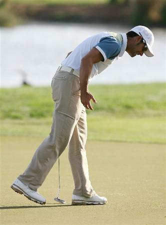 PALM BEACH GARDENS, FL - MARCH 07:  James Nitties reacts to his missed birdie putt on the 18th hole during the third round of The Honda Classic at PGA National Resort and Spa on March 7, 2009 in Palm Beach Gardens, Florida.  (Photo by Doug Benc/Getty Images)