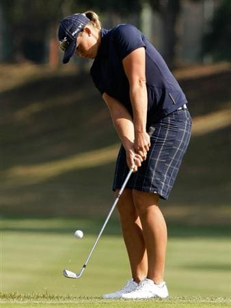 SHIMA, JAPAN - NOVEMBER 06:  Katherine Hull of Australia plays a shot on the 9th hole during round two of the Mizuno Classic at Kintetsu Kashikojima Country Club on November 6, 2010 in Shima, Japan.  (Photo by Chung Sung-Jun/Getty Images)