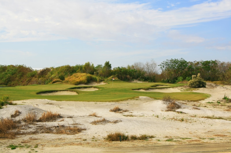 The 8th hole at Streamsong Red