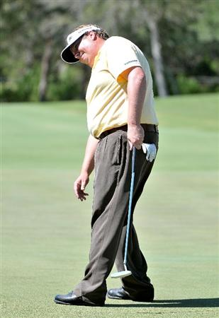SAN ANTONIO- OCTOBER 9: Tim Herron misses a birdie putt on the 18th hole  during the first round of the Valero Texas Open  held at La Cantera Golf Club on October 9, 2008 in San Antonio, Texas  (Photo by Marc Feldman\Getty Images)