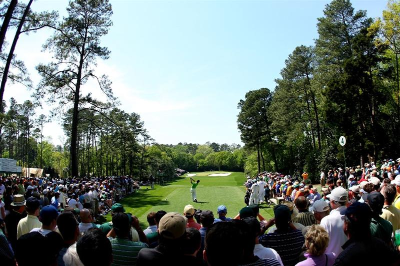 AUGUSTA, GA - APRIL 09:  Amateur Danny Lee of New Zealand hits his tee shot on the fourth hole during the first round of the 2009 Masters Tournament at Augusta National Golf Club on April 9, 2009 in Augusta, Georgia.  (Photo by Andrew Redington/Getty Images)
