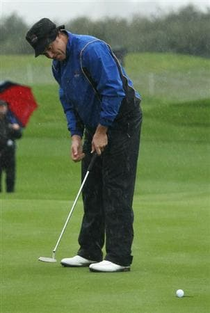 NEWPORT, WALES - OCTOBER 01:  Lee Westwood of Europe watches a birdie putt drop on the second green during the Morning Fourball Matches during the 2010 Ryder Cup at the Celtic Manor Resort on October 1, 2010 in Newport, Wales.  (Photo by Ross Kinnaird/Getty Images)