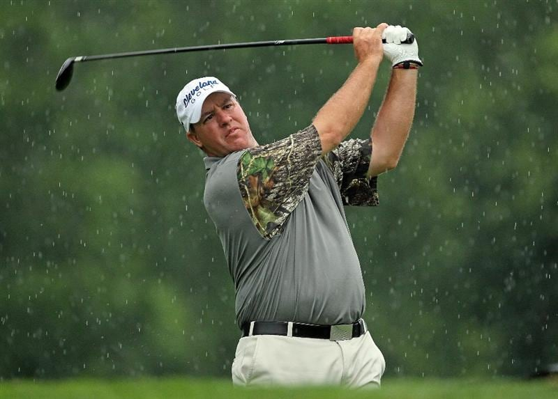 DUBLIN, OH - JUNE 03:  Boo Weekley hits his tee shot on the third hole during the first round of The Memorial Tournament presented by Morgan Stanley at Muirfield Village Golf Club on June 3, 2010 in Dublin, Ohio.  (Photo by Andy Lyons/Getty Images)