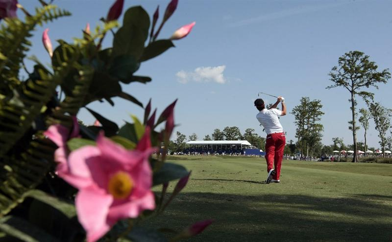AVONDALE, LA - APRIL 25: Eric Axley hits his tee shot on the 17th hole during the third round of the Zurich Classic at TPC Louisiana on April 25, 2009  in Avondale, Louisiana. (Photo by Dave Martin/Getty Images)