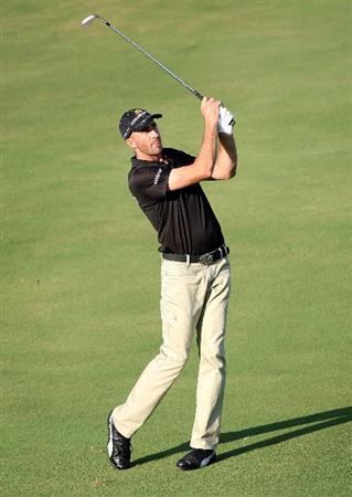 KAPALUA, HI - JANUARY 09:  Geoff Ogilvy of Australia plays a shot during the second round of the Mercedes-Benz Championship at the Plantation Course on January 9, 2009 in Kapalua, Maui, Hawaii.  (Photo by Sam Greenwood/Getty Images)