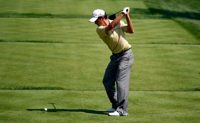 LEMONT, IL - SEPTEMBER 10:  Mike Weir of Canada hits his tee shot on the fifth hole during the first round of the BMW Championship held at Cog Hill Golf & CC on September 10, 2009 in Lemont, Illinois.  (Photo by Scott Halleran/Getty Images)