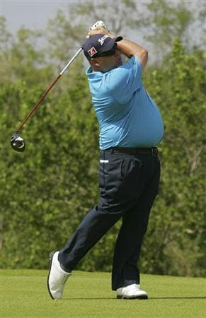PLAYA DEL CARMEN, MEXICO - FEBRUARY 26:  Kevin Stadler hits his drive on the fifth hole during the third round of the Mayakoba Golf Classic at Riviera Maya-Cancun held at El Camaleon Golf Club on February 26, 2011 in Playa del Carmen, Mexico.  (Photo by Michael Cohen/Getty Images)