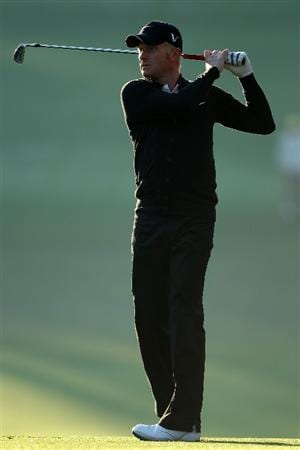 AUGUSTA, GA - APRIL 09:  Simon Dyson of England hits a shot on the first hole during the second round of the 2010 Masters Tournament at Augusta National Golf Club on April 9, 2010 in Augusta, Georgia.  (Photo by Andrew Redington/Getty Images)