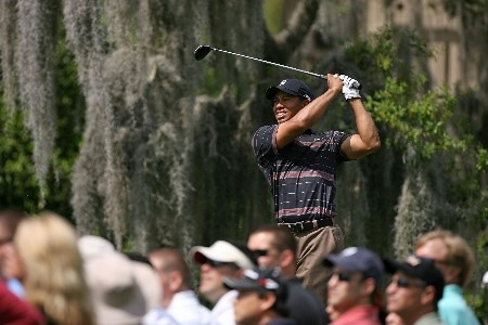 ORLANDO, FL - MARCH 15:  Tiger Woods hits his tee shot on the 5th hole during the third round of the Arnold Palmer Invitational on March 15, 2008 at the Bay Hill Club and Lodge in Orlando, Florida.  (Photo by Andy Lyons/Getty Images)