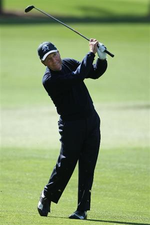 AUGUSTA, GA - APRIL 08:  Gary Player of South Africa plays a shot during a practice round prior to the 2009 Masters Tournament at Augusta National Golf Club on April 8, 2009 in Augusta, Georgia.  (Photo by Andrew Redington/Getty Images)