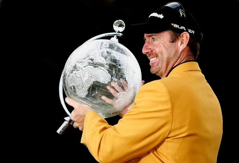 MELBOURNE, AUSTRALIA - NOVEMBER 30:  Rod Pampling of Australia poses with the trophy after winning the 2008 Australian Masters at Huntingdale Golf Club on November 30, 2008 in Melbourne, Australia  (Photo by Quinn Rooney/Getty Images)