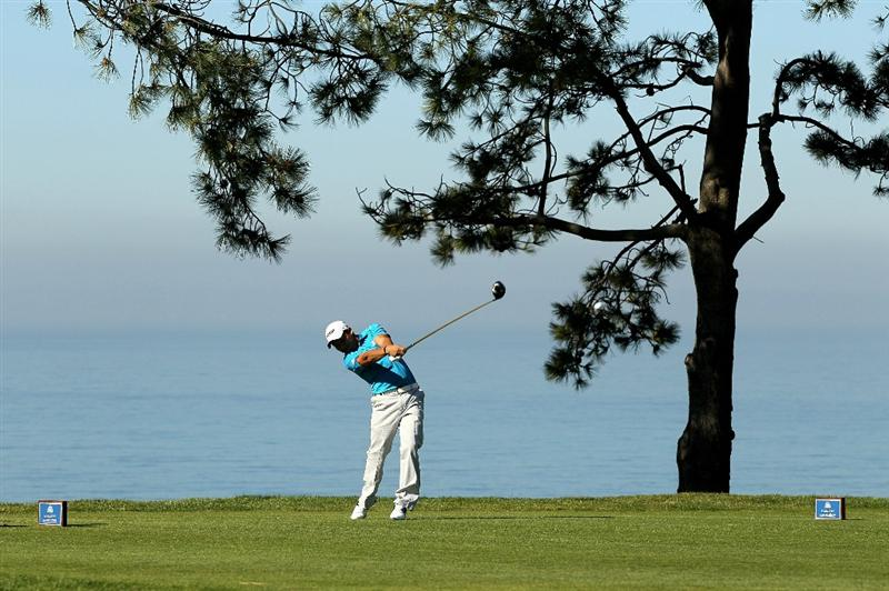 LA JOLLA, CA - JANUARY 28: Andres Romero of Argentina hits his tee shot on the second hole at the North Course at Torrey Pines Golf Course during the first round of the Farmers Insurance Open on January 28, 2010 in La Jolla, California. (Photo by Stephen Dunn/Getty Images)