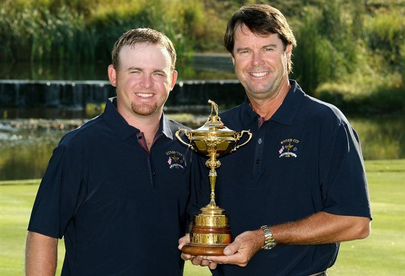 LOUISVILLE, KY - SEPTEMBER 17:  J.B. Holmes of the USA team (L) poses with team captain Paul Azinger during the USA team photo shoot prior to the 2008 Ryder Cup at Valhalla Golf Club on September 17, 2008 in Louisville, Kentucky.  (Photo by David Cannon/Getty Images)