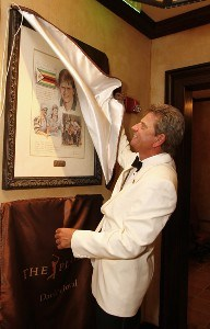 Nick Price unveils his portrait by Connecticut illustrator Chris Duke in the new clubhouse during of THE PLAYERS Championship at TPC Sawgrass in Ponte Vedra Beach, Florida, on May 8, 2007. Photo by: Stan Badz/PGA TOURPhoto by: Stan Badz/PGA TOUR