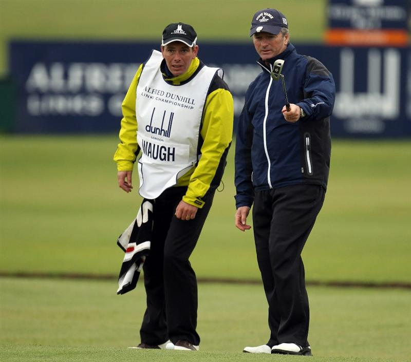 ST ANDREWS, SCOTLAND - OCTOBER 09:  Former Australian Cricket star Steve Waugh on the 18th green during the third round of The Alfred Dunhill Links Championship at The Old Course on October 9, 2010 in St Andrews, Scotland.  (Photo by Ross Kinnaird/Getty Images)