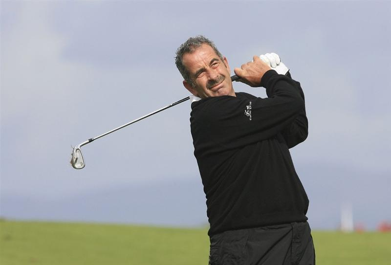 ST ANDREWS, SCOTLAND - AUGUST 21:  Sam Torrance of Scotland in action during the first round of the  Cleveland Golf Srixon Scottish Open played over the Torrance Course at Fairmont St.Andrews on August 21, 2009 in St.Andrews, Scotland.  (Photo by Phil Inglis/Getty Images)