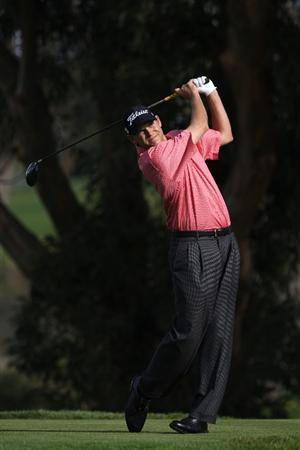 LA JOLLA, CA - JANUARY 29:  Bill Haas tees off the 5th hole during the second round of the 2010 Farmers Insurance Open on January 29, 2010 at Torrey Pines Golf Course in La Jolla, California. (Photo by Donald Miralle/Getty Images)