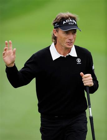 COLOGNE, GERMANY - SEPTEMBER 10:  Bernhard Langer of Germany celebrates his putt on the 15th hole during the first round of The Mercedes-Benz Championship at The Gut Larchenhof Golf Club on September 10, 2009 in Cologne, Germany.  (Photo by Stuart Franklin/Getty Images)