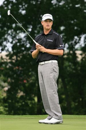 FORT WORTH, TX - MAY 20: David Toms watches his birdie putt on the eighth hole during the second round of the Crowne Plaza Invitational at Colonial Country Club on May 20, 2011 in Fort Worth, Texas. (Photo by Hunter Martin/Getty Images)