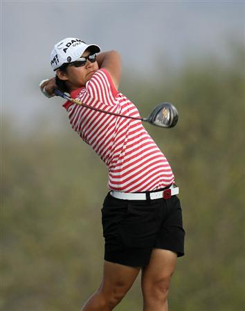 PHOENIX, AZ - MARCH 18:  Yani Tseng of Taiwan hits her tee shot on the 18th hole during the first round of the RR Donnelley LPGA Founders Cup at Wildfire Golf Club on March 18, 2011 in Phoenix, Arizona.  (Photo by Stephen Dunn/Getty Images)