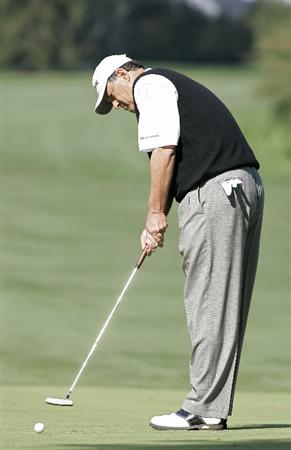 TIMONIUM, MD - OCTOBER 04:  Loren Roberts putts for birdie on the sixth hole during the final round of the Constellation Energy Senior Players Championship at Baltimore Country Club/Five Farms (East Course) held on October 4, 2009 in Timonium, Maryland  (Photo by Michael Cohen/Getty Images)