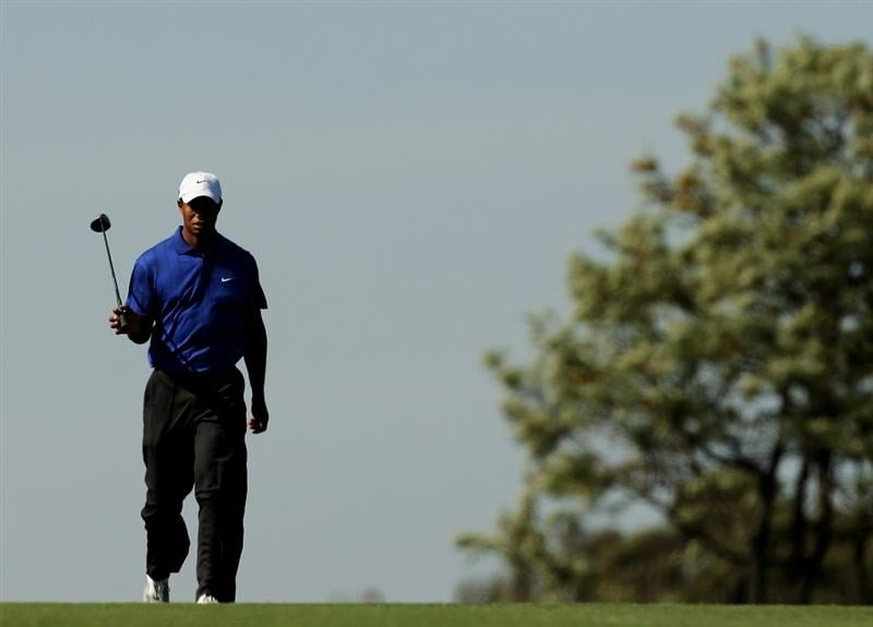 MELBOURNE, AUSTRALIA - NOVEMBER 13:  Tiger Woods of the USA walks the fairway on the 16th hole during round two of the 2009 Australian Masters at Kingston Heath Golf Club on November 13, 2009 in Melbourne, Australia.  (Photo by Mark Dadswell/Getty Images)