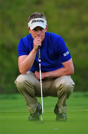 PACIFIC PALISADES, CA - FEBRUARY 20:  Luke Donald of England ponders his putt on the fifth hole during the second round of the Northern Trust Open at the Riviera Country Club February 20, 2009 in Pacific Palisades, California.  (Photo by Stuart Franklin/Getty Images)