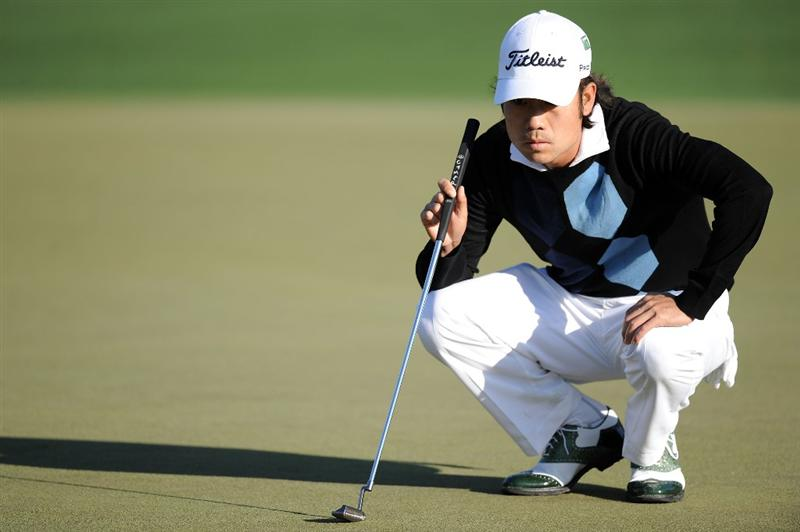 AUGUSTA, GA - APRIL 09:  Kevin Na lines up a putt on the second hole during the second round of the 2010 Masters Tournament at Augusta National Golf Club on April 9, 2010 in Augusta, Georgia.  (Photo by Harry How/Getty Images)