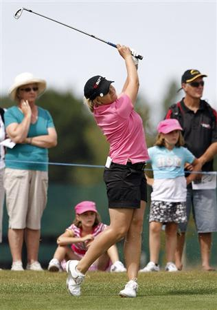 PEGASUS, NEW ZEALAND - FEBRUARY 28:  Sarah Kemp of Australia plays an approach shot during the final round of the New Zealand Women's Open at Pegasus Golf Course on February 28, 2010 in Pegasus, New Zealand.  (Photo by Martin Hunter/Getty Images)
