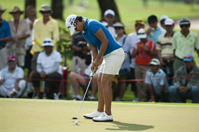 CHON BURI, THAILAND - FEBRUARY 19:  Yani Tseng of Taiwan putts on the 14th green during day three of the LPGA Thailand at Siam Country Club on February 19, 2011 in Chon Buri, Thailand.  (Photo by Victor Fraile/Getty Images)