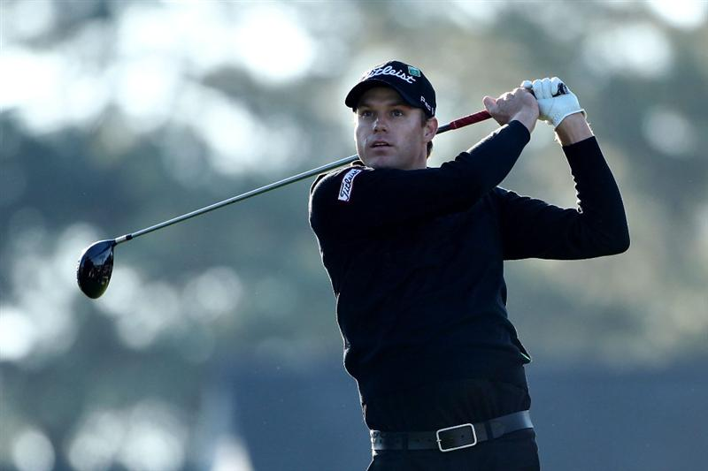 AUGUSTA, GA - APRIL 09:  Nick Watney hits a tee shot on the first hole during the second round of the 2010 Masters Tournament at Augusta National Golf Club on April 9, 2010 in Augusta, Georgia.  (Photo by Andrew Redington/Getty Images)
