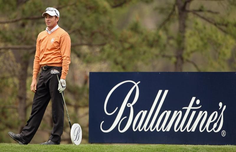 ICHEON, SOUTH KOREA - APRIL 29:  Brett Rumford of Australia hits his tee-shot on the ninth hole during the second round of the Ballantine's Championship at Blackstone Golf Club on April 29, 2011 in Icheon, South Korea.  (Photo by Andrew Redington/Getty Images)
