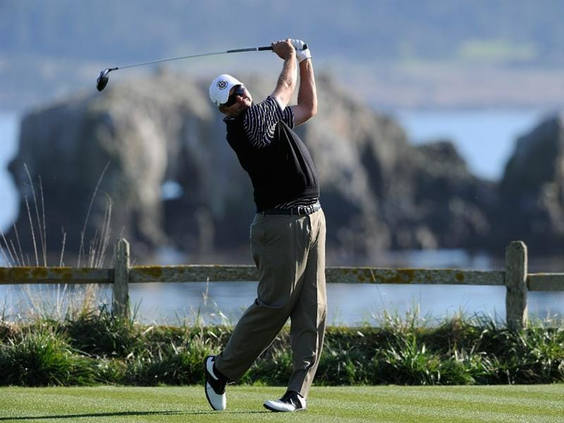 PEBBLE BEACH, CA - FEBRUARY 11:  Bo Van Pelt plays his tee shot on the 18th hole during the second round of the AT&T Pebble Beach National Pro-Am at the Pebble Beach Golf Links on February 11, 2011  in Pebble Beach, California  (Photo by Stuart Franklin/Getty Images)