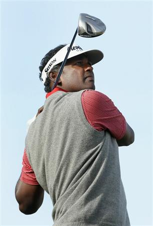 SCOTTSDALE, AZ - FEBRUARY 06:  Vijay Singh of Fiji hits a tee shot on the eighth hole during the final round of the Waste Management Phoenix Open at TPC Scottsdale on February 6, 2011 in Scottsdale, Arizona.  (Photo by Christian Petersen/Getty Images)