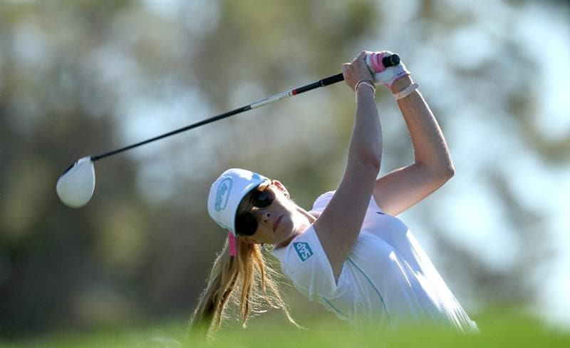 RANCHO MIRAGE, CA - APRIL 01:  Paula Creamer hits her tee shot on the third hole during the second round of the Kraft Nabisco Championship at Mission Hills Country Club on April 1, 2011 in Rancho Mirage, California.  (Photo by Stephen Dunn/Getty Images)