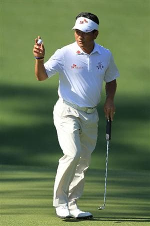 AUGUSTA, GA - APRIL 07:  K.J. Choi of Korea waves to the crowd on the tenth hole during the first round of the 2011 Masters Tournament at Augusta National Golf Club on April 7, 2011 in Augusta, Georgia.  (Photo by David Cannon/Getty Images)
